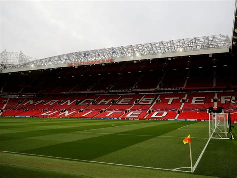 Manchester United considering plan to become Premier