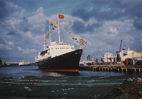 File:The Royal Yacht Britannia in King George Dock, Hull